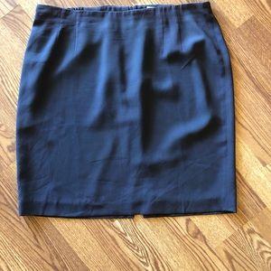 Gray, fully-lined crepe skirt 18